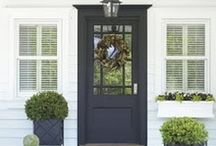 Front Doors / Beautiful entrances, fabulous doors & lovely wreaths