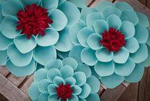 <3 Flores, Fiori, Fleurs <3 / by Djuana Daniel