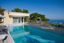 Modern villa with panoramic view onto the Principality of Monaco / http://www.cotedazur-sothebysrealty.com/modern-villa-with-panoramic-views-onto-the-principality-of-monaco-and-the-sea-beyond-cf4984.html