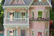 Victorian Doll House / by Valinda Anthony