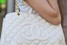 Handbag Heaven! / by Lilyan Hill