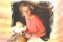 Women's Adventures in Science Collection / What would it be like to build the first robot that could interact with people? Or to study human remains in search of criminal evidence? In Women's Adventures in Science, readers will learn about the trailblazing women who are leaders in a variety of scientific fields, from robotics to forensics. Each book focuses on the life and work of a woman active in her field today, providing readers with insights into the personal and professional paths that led to their careers in science.