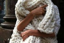 LOVE IN KNIT / Fall in love with knitted fashion and cozy up in chunky sweaters and nursing knitwear. Dream of warm winter woolies and chic throws, rugs & pillows. Maternity Clothes | Pregnancy Style | Pregnancy Fashion | Maternity | Excepting Mom.
