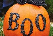 Halloween / Halloween ideas, decor, and more from many wonderful bloggers.