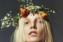 | flower crown | bridal inspiration | / Our constantly updated board of inspirational and beautiful flower crowns.  Bridal hair inspiration Wedding hair inspiration Wedding makeup Wedding hair Wedding hairstyles  Flower crowns Wedding flower crowns   wedding hair flower crown styles for brides wedding hair flower crown styles for bridesmaids