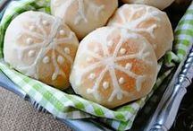 Remarkable Rolls / Dress up your dinner roll! / by Rhodes Bread & Rolls