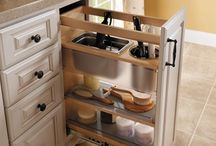 Roll Outs & Pull Outs / Smart Design Roll out trays adjust up and down to suit your contents. Drawers and roll trays glide all the way out for easy access to contents. Soft close drawers and roll trays ensure a smooth shut for dishes.