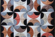 20 Circles, Curves, Mariner Compas... Quilts / by Ellen Bee