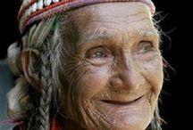 WONDER WOMEN / Follow us as we learn from the wonderful women of the Word.