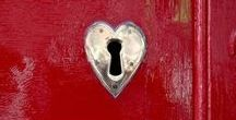 VALENTINE'S DAY / Decorating, Craft and Recipe Ideas for Valentine's Day and lots of hearts #valentine #valentinesday #hearts #valentinecraft #valentinerecipe