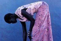 """Photos by Gilles Bensimon / Fashion photographer Gilles Bensimon (né à Paris en 1944) , photographe de mode français. marié au top model Elle Macpherson  (1986à 1989) , ainsi qu'à l'ex-mannequin Kelly Killoren Il commence à travailler pour le magazine """"ELLE"""" en France en 1967  jusqu'en 1985,  IL est maintenant directeur du magazine """"ELLE"""" aux USA RECOMPENSES : Honoré du """"Council of Fashion Designers of American's Eugenia Shepard 2005""""   en tant que journaliste de mode GILLESBENSIMON.com / by Vivement demain🎉💕🎁✔️"""
