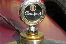 Peugeot ornament-logo