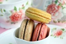 Cookbook: Macarons / The prettiest food in the world.