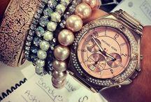 I love accessories!! / Statement necklace / by Chiara Marini