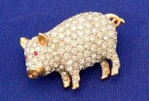 Piggy Jewelry ~ Badge / Brooch / Charm / Pin