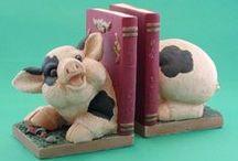 Piggy Book Ends / Stands