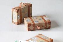 Scatole, contenitori, lettere in cartoncino