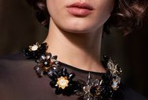 Collars / Embroidery, passementerie, lace, poplin... all our know-how in a wonderful collar collection.