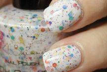 Nails Nails Nails / by Andrea Chambers-Atienza