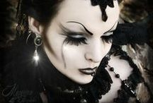 Gothic Fashion and Inspiration / Beautiful gothic clothing, jewelry, makeup and hair styles for the darkly inclined