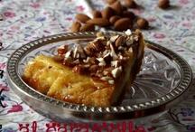 "Dulcis in fundo / Crostate, creme, ciambelle, tiramisù. ""Cakes sweets cakes!"""