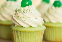 Cupcakes / by Tristie