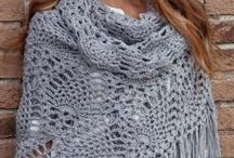 Crocheting / by Alicia Gonzalez