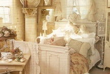 Shabby and Chic / by Cindy Kroening