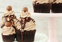iheart cupcakes / by Melissa Alford