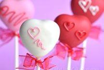 Valentine's Day Pops / Fun Valentine Cake Pop Ideas