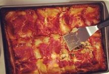 Lasagna and Casseroles / Cheese and pasta and all the extra goodies inside! #Lasagna #Pastabake #Casserole