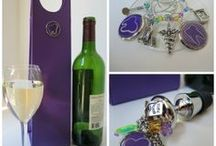 Dentist Gifts / Dental Theme Gifts are one of the specialties of Classic Legacy.  Our gifts for dentists can be customized with YOUR dental theme logo.  Dentist theme gifts include wine charms, wine bottle stoppers, and wine carriers.  Classic Legacy also creates desk accessories, personal accessories, and jewelry.