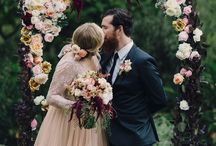 FLORAL ARCHES & BACKDROPS