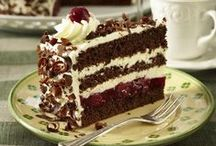 Layer Cakes / by Michelle Towler
