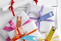 Gift Wrapping / by Zlatina Gocheva