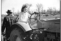 La revolució serà tractoritzada o no serà / Agafem els tractors i muntem la revolució ;)