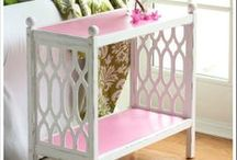 Homemade Chalk Painted Furniture / Here are some inspirational Homemade Chalk Painted projects. Want to know how to make Homemade Chalky Paint... plenty of recipes here!
