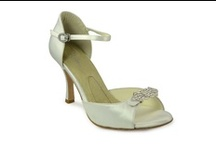 Medium Heel Wedding Shoes / On your wedding day you will be on your feet all day, so you want something comfortable, yet you want to feel elegant on your wedding day.  Try a medium heel wedding shoe for comfort and elegance