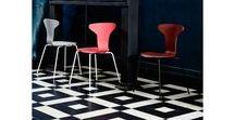 Howe / Simpel, functioneel en van de beste kwaliteit: dat zijn de designmeubels van Howe. De collectie van dit van oorsprong Amerikaanse merk is gebaseerd op ruimtebesparende tafels en stoelen. Door stapelbare meubels als uitgangspunt te nemen ontwierp Howe producten voor kantoren, musea en overheidsinstellingen.