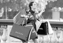 Gossip Girl / Looks y estilo de las protagonistas de una serie con mucha repercusión en el mundo de la moda: Gossip Girl. Serena Van Der Woodsen y Blair Waldorf.   #gossipgirl #estilo
