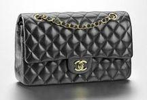 Bolsos para soñar / El bolso es un complemento fetiche para muchas mujeres. Aquí, bolsos por los que perder la cabeza.   #moda #estilo #complementos #bolsos