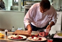 Raymond Blanc cooks up a storm at Brasserie Blanc Southbank / Ten winners and guests from a Metro Newspaper competition were lucky participants in a Raymond Blanc cookery demo at Brasserie Blanc Southbank on 29th August.  Raymond and his trusty chefs Adam and Ankush cooked up a storm on the front terrace as they marinated mackerel, sizzled liver and piled their Pavlova with summer berries.  The show was a real crowd stopper as passers-by (including Russell Brand!)  took time out to watch the master at work.