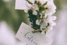 wedding escort cards. / Wedding place card display inspiration for romantic and organic weddings.