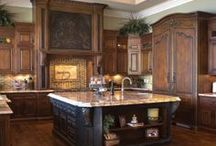 Kitchens / A collection of some beautiful kitchens filled with inspiration and beauty!