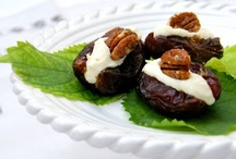 Medjool, Deglet & other Edible Date Recipes / Recipes from around the world which include medjool, deglet and a variety of other edible dates.