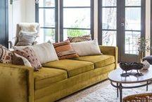 LIVING ROOM / by Jessica Mendoza