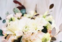 Bouquets, etc. / A combination of bouquets and other pieces for the bride and her retinue.