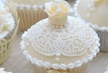 Cupcake Craze / Sweet, frosting, cupcake, treats, school, parties, birthday, weddings, baby shower, variety, fruit, color, butter, cream, whipped