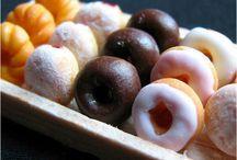 Tiny Town Dippin Donuts