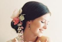 Bridal hair style / by Rigorosamente Sposa